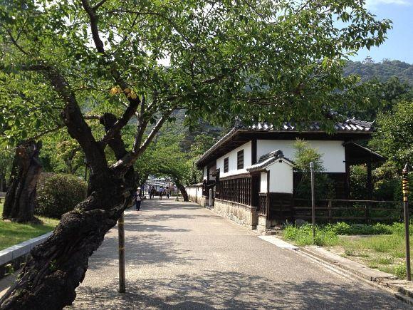吉香公園・香川家長屋門