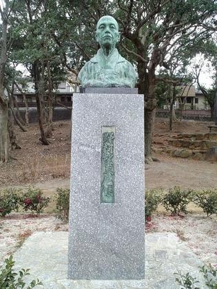20110220野村望東尼像